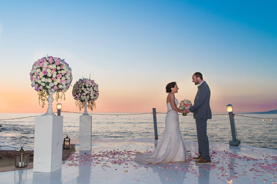 wedding planner puerto vallarta, beach-weddings Kind Words